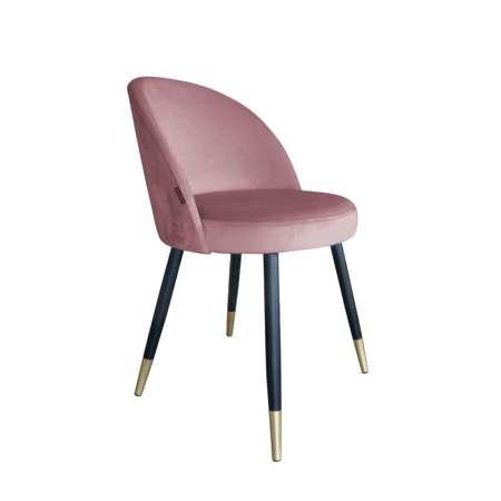 Koralowe tapicerowane krzesło CENTAUR materiał MG-58 ze złotą nóżką